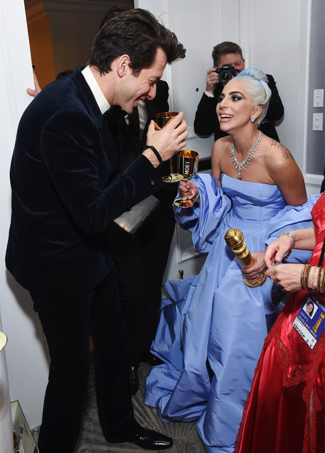 HWD Daily - Inside a Surprise-Filled Golden Globes
