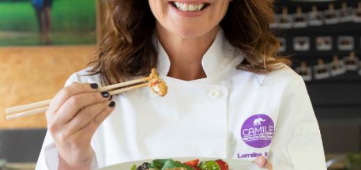 lorraine keane creates a healthy chicken stir fry with camile thai