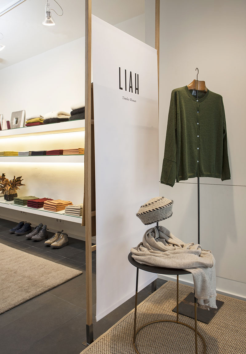 http://www.liah.cat/wp-content/uploads/LIAH_SHOWROOM_BARCELONA.jpg