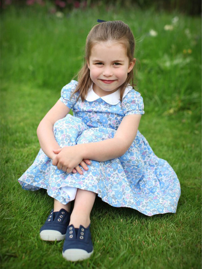 Royal Watch - New Photos of Princess Charlotte!