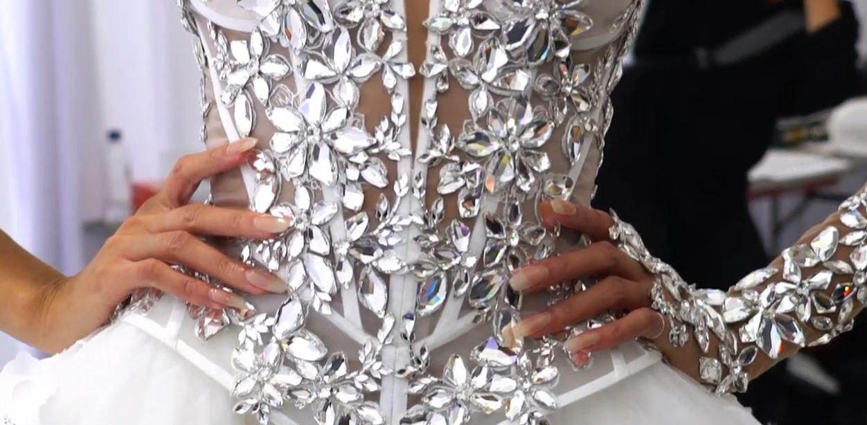 Pninatornai bling gown detail pynck.JPG