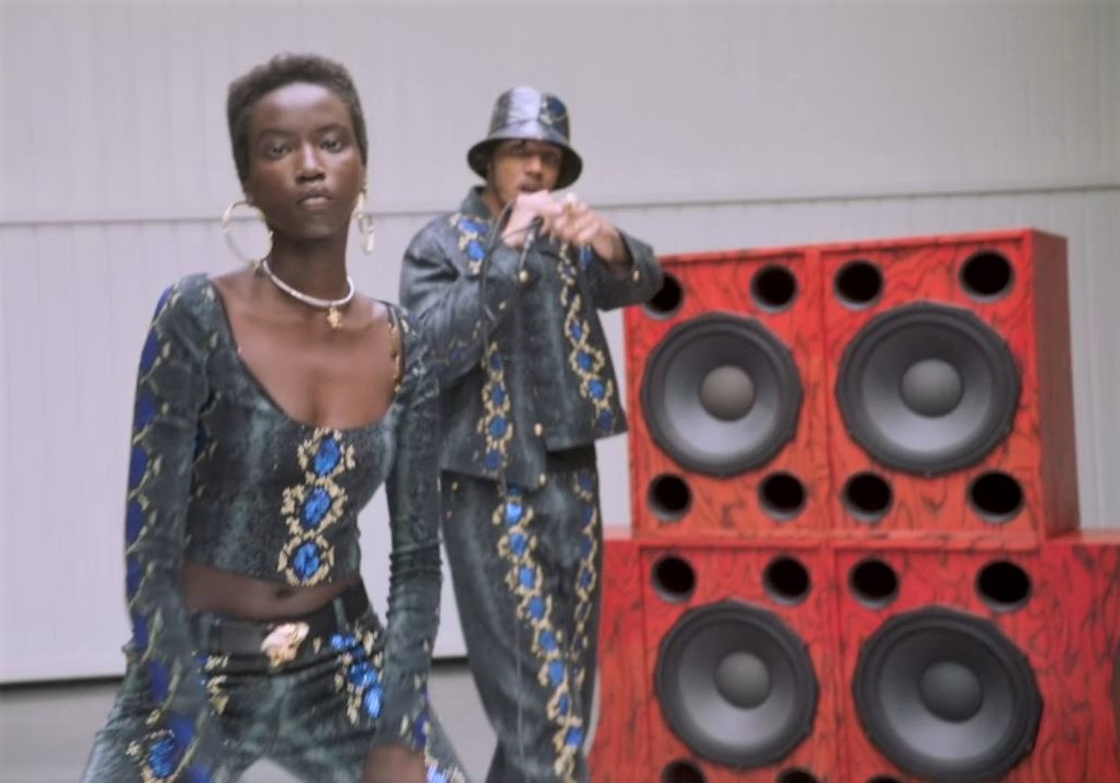 Versace video milan fashion week (2).JPG
