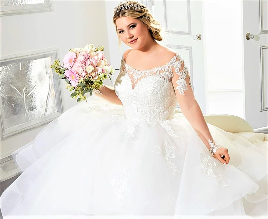 Madeline Gardner curvey bridal 10-20 pynck (2).JPG