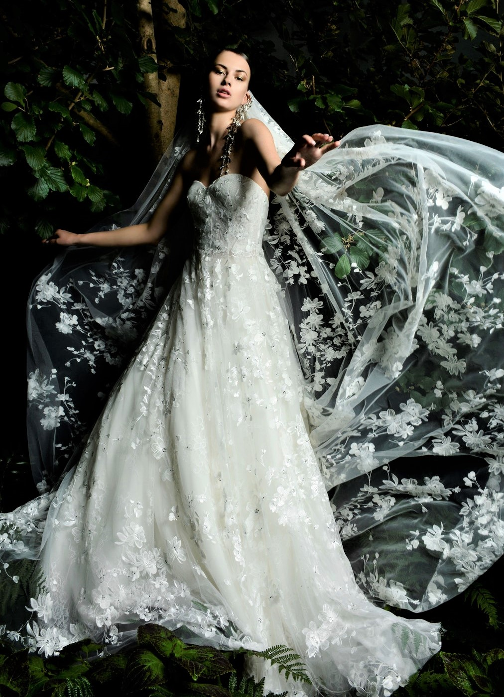 Naeem Khan ONEIDA lace cape Bridal 10-20 pynck (2).jpg