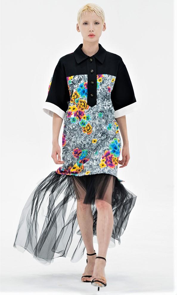 Seoul big park tulle skirt cropped.jpg