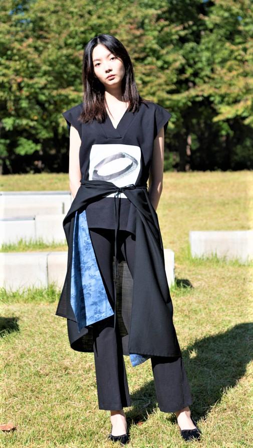 seoul czanne over skirt cropped.jpg