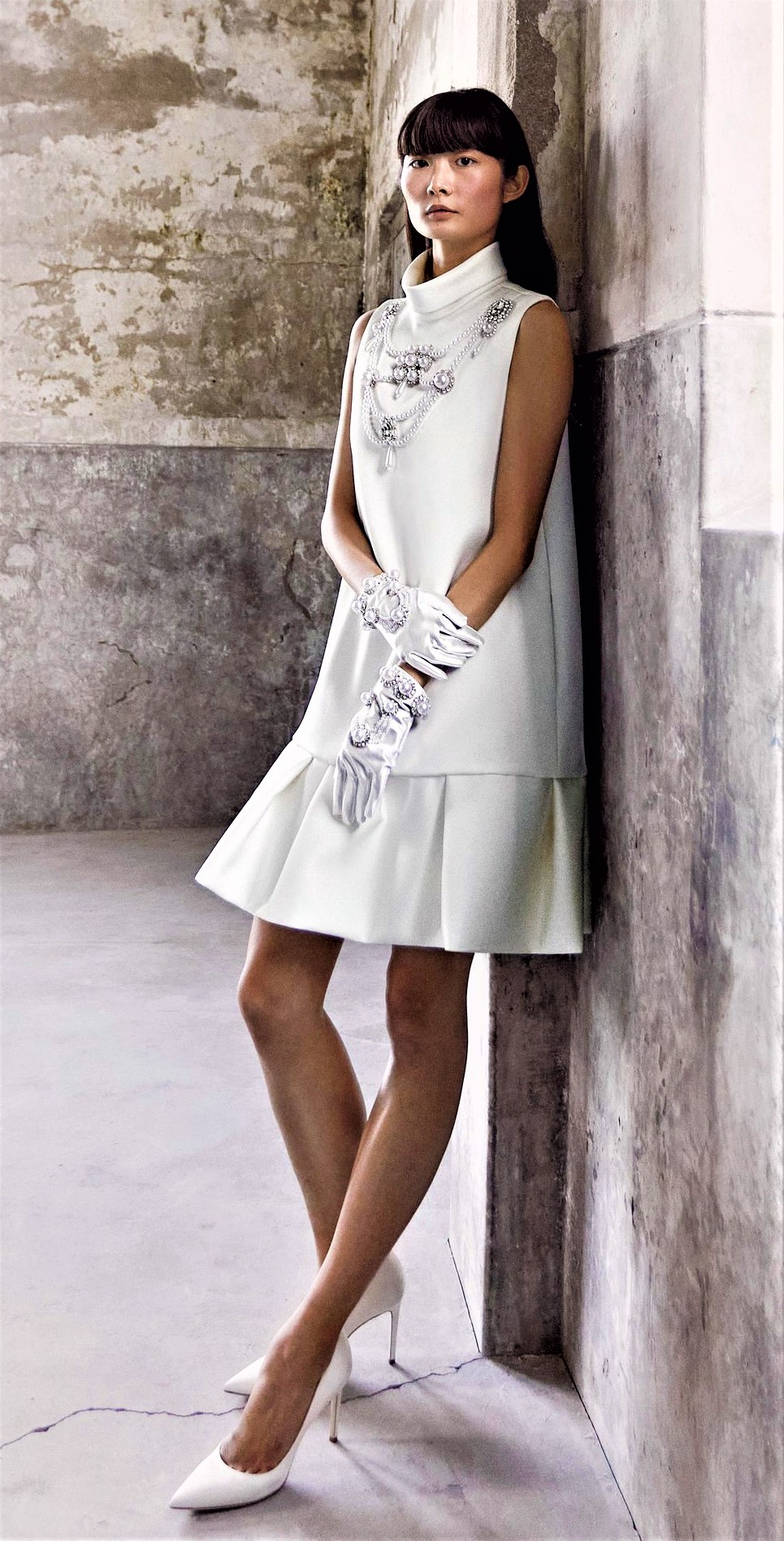 Viktor Rolf Mariage Short jeweled gown Bridal 10-20 pynck (4) cropped.jpg