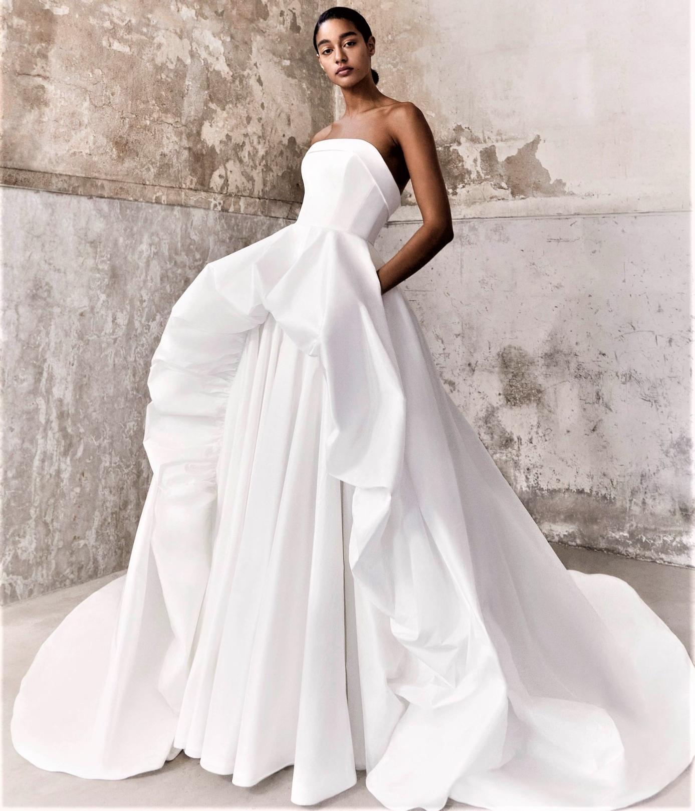 Viktor Rolf Mariage Volant gown Bridal 10-20 pynck (2) cropped.jpg