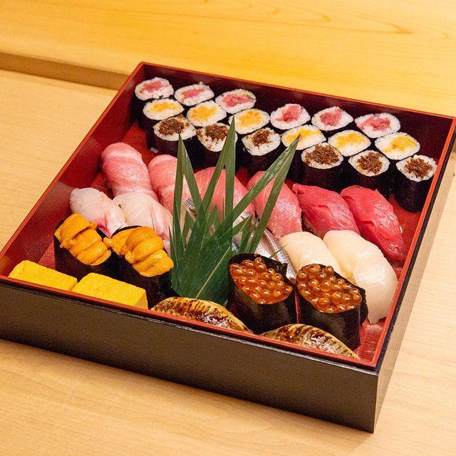 Sushi Noz NY eve take out Pynck.jpg