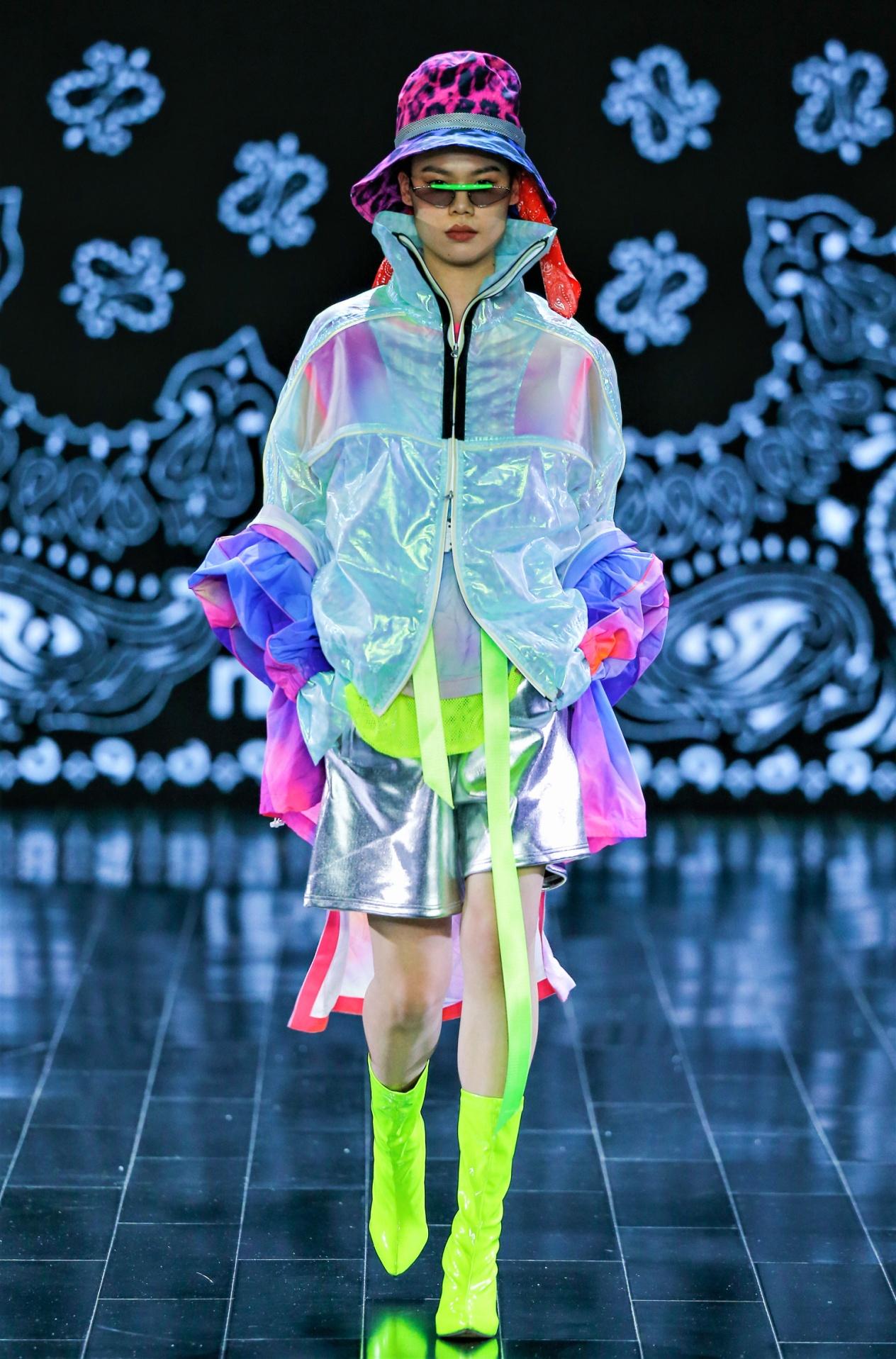Silk Road ribyeung funky streetwear silver shorts 1-21.jpg
