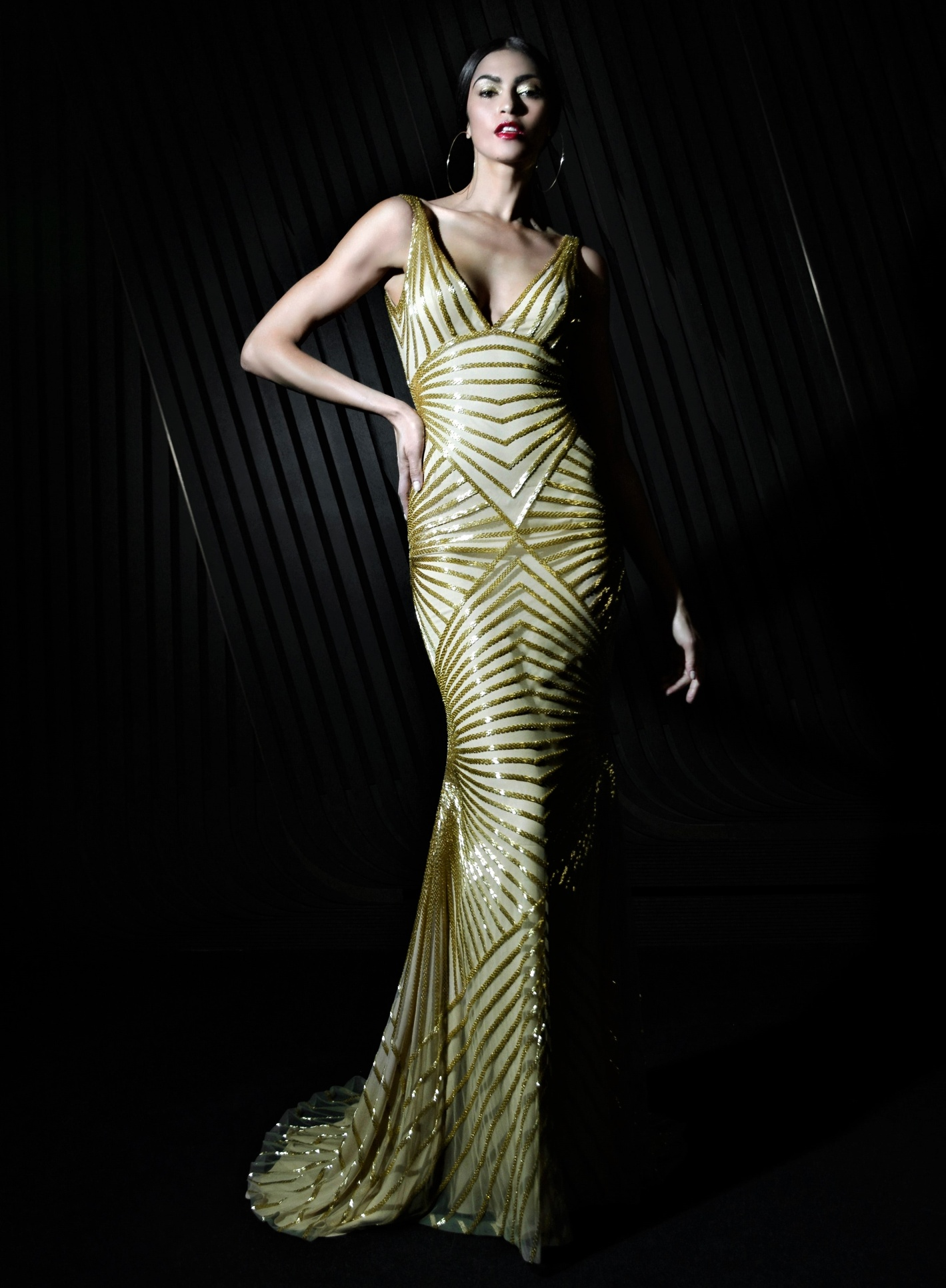 NYFW 2 NAEEM-KHAN-FALL-21-RTW-gold long gown cropped.jpg