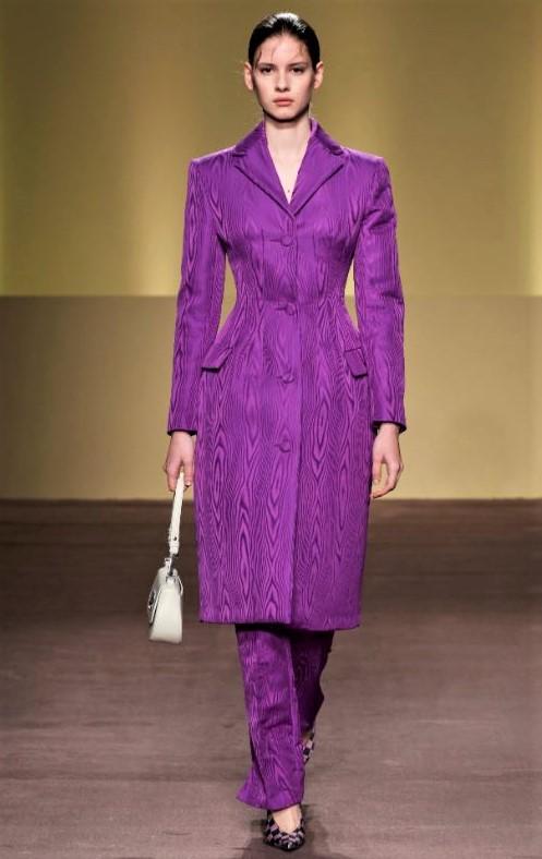 Abodi purple pants suit Milan 3 (2) cropped Hungarian.JPG