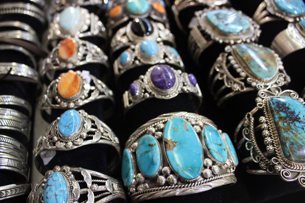 indian-touch-of-gallup741-exhibitor-profile Tucson show 4-21.jpg