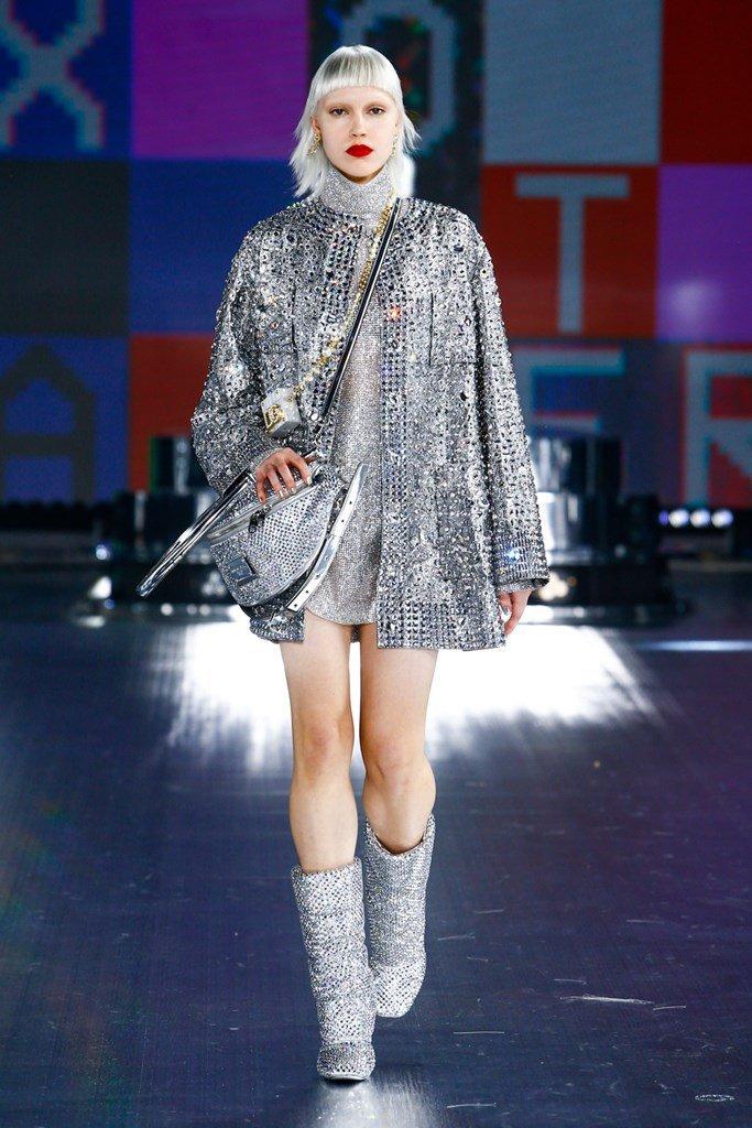 Milan 3 D + G Silver dress.jpg
