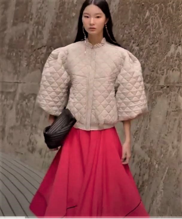 Seoul 3-21 Cahiers beige quilt top, red skirt (2) cropped.JPG
