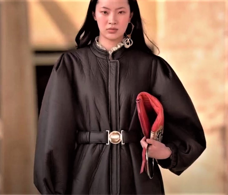 Seoul 3-21 Cahiers blk leather puff slv (2) cropped.JPG