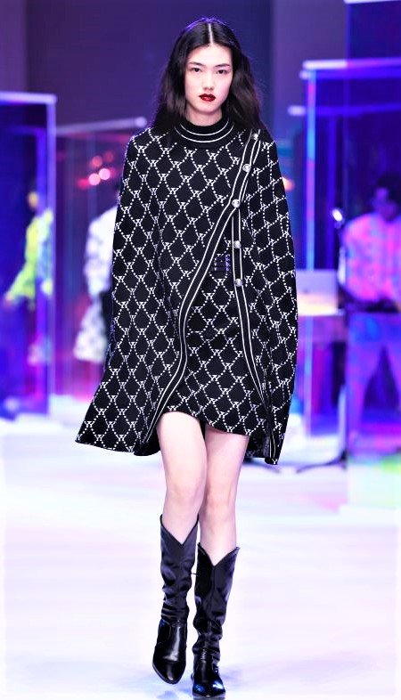 Yes by Yesir blk wht cape Shanghai (2) cropped.JPG