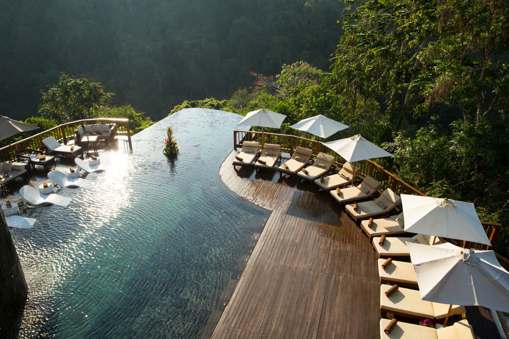 Bali Infinity pool destination.jpg