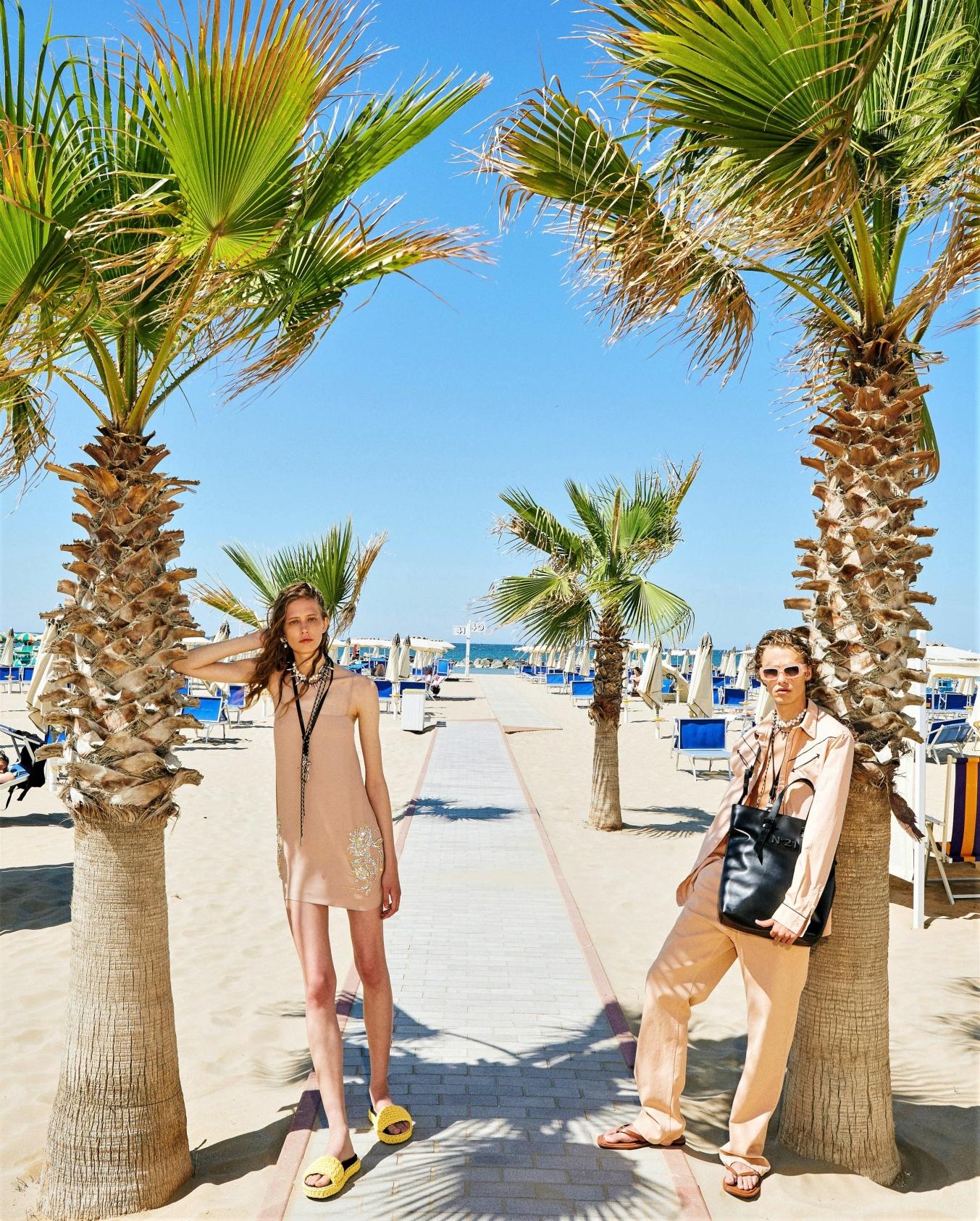 N21 resort 2022 2 models vogue cropped palm trees.jpg