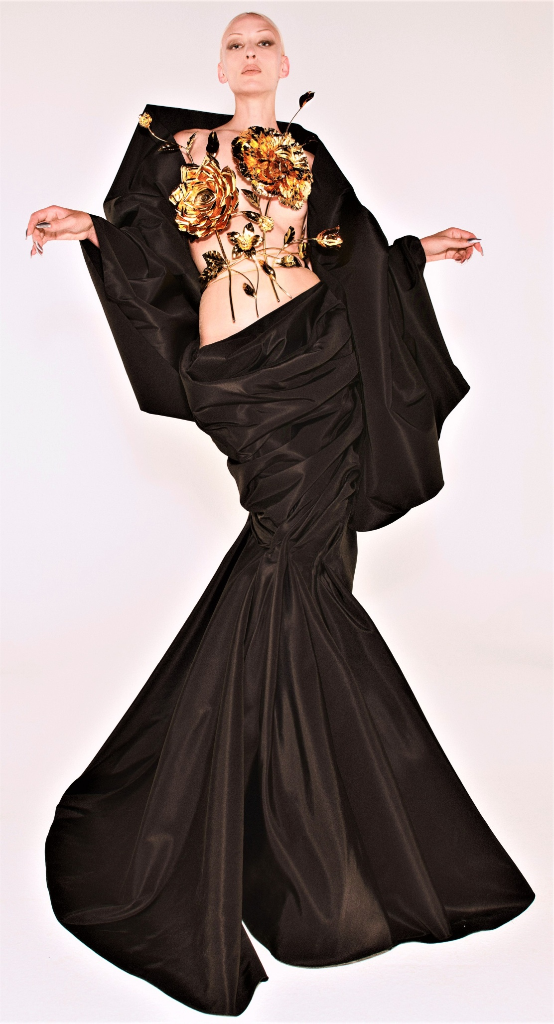 Schiaparelli Couture-Fall 21 gold flowers vogue cropped.jpg
