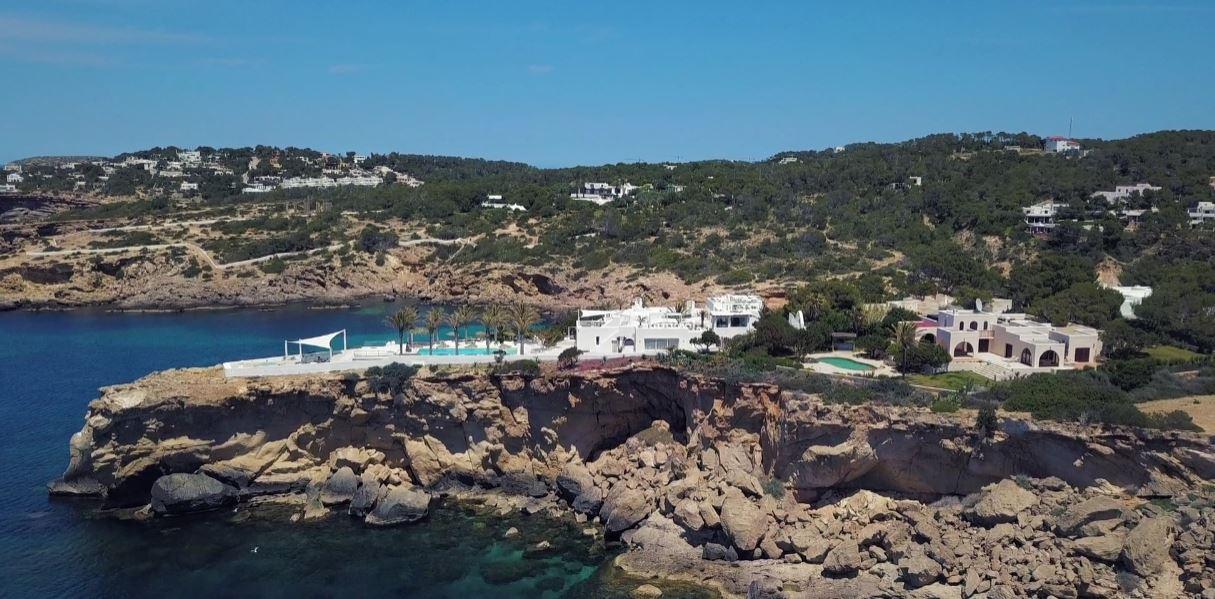 resort 8-21 yolanthe villa private hill top.JPG