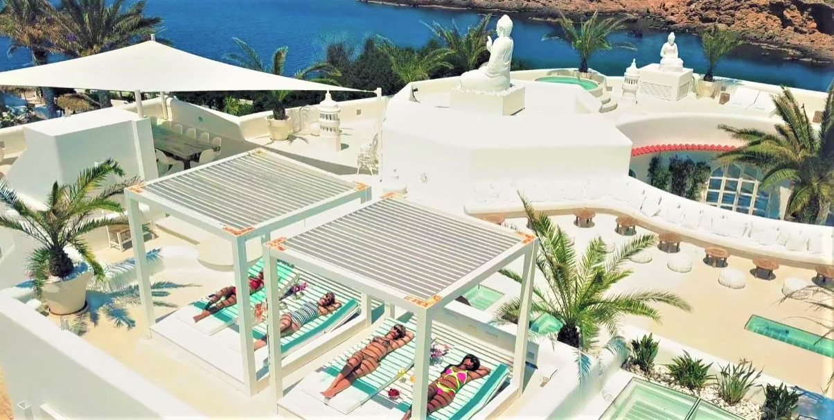 resort 8-21 yolanthe villa rooftop sun bathing (2) cropped.JPG