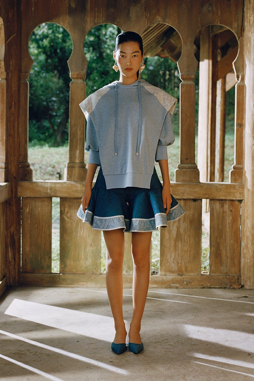 Milan no. 2 sara wong cheerleader skirt blue camera.jpg