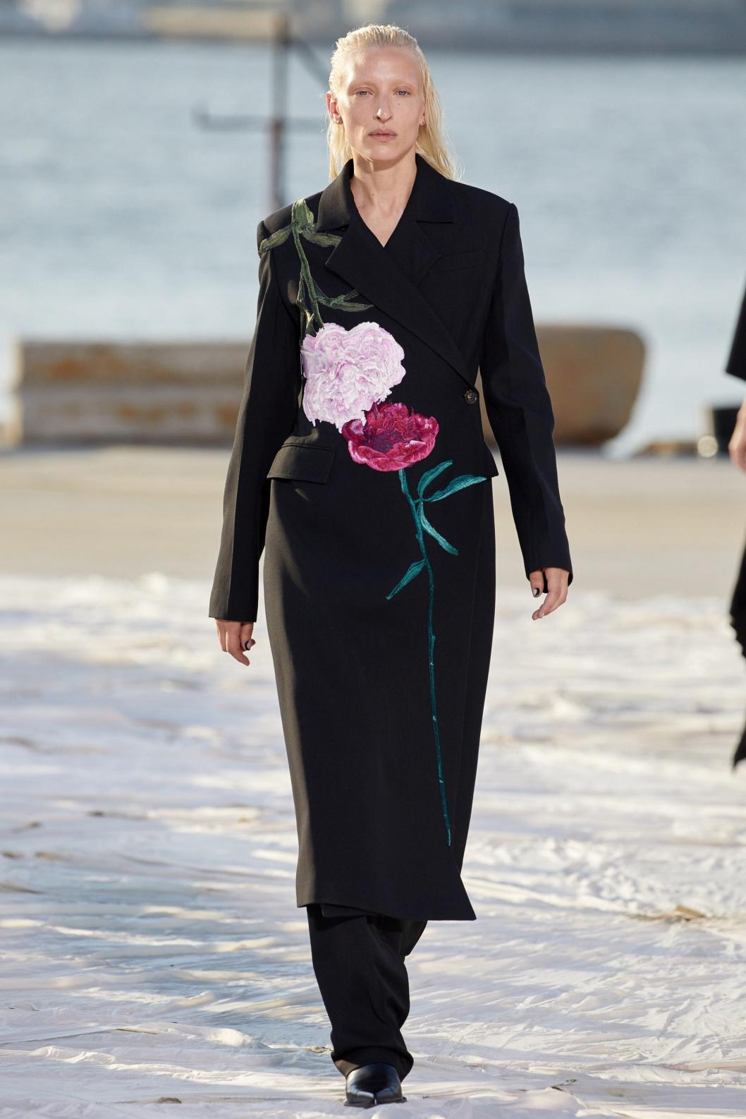 NYFW 9-21 Peter Do blk floral coat.jpg