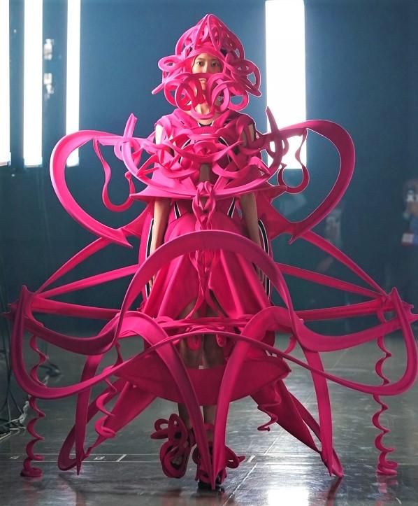 Tokyo 8-21 ryun pink cropped.jpg