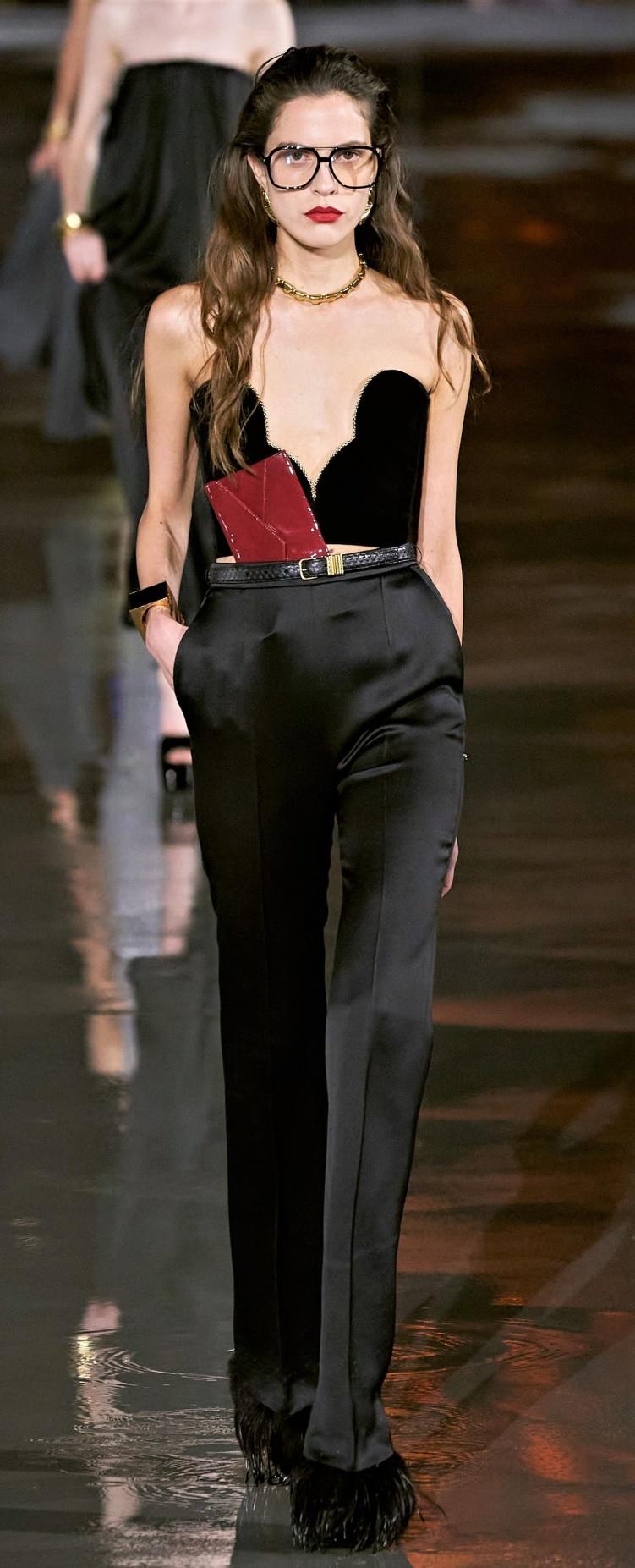 Paris 1. St L. velvet top pants vog cropped.jpg